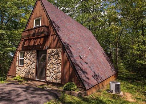 Ohio's Romantic Cabins   Secluded Romantic Hocking Hills Cabins