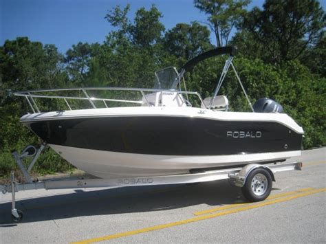 Robalo Boats For Sale In Miami Florida by Robalo 180 Center Console Boats For Sale In Florida