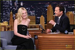 Elle Fanning Meets Up With Sister Dakota Before 'Tonight ...