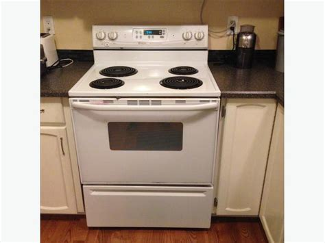 Maytag Performa Electric 30in. Range