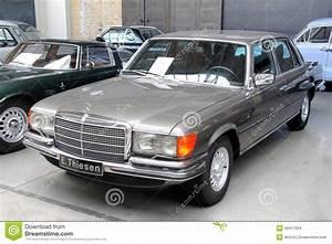 Mercedes Benz Classe S Berline : mercedes benz w116 s class editorial stock image image 49471354 ~ Maxctalentgroup.com Avis de Voitures
