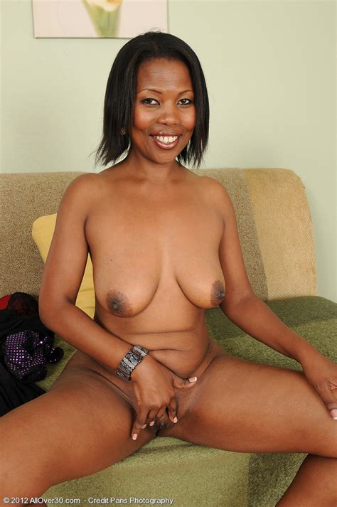 hot older Women 41 Year Old Sapphire From jamaica In High Quality mature