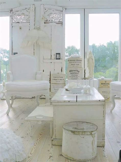 shabby chic flooring i like the white painted wood floors prob a nightmare to keep clean tho maybe the kitchen