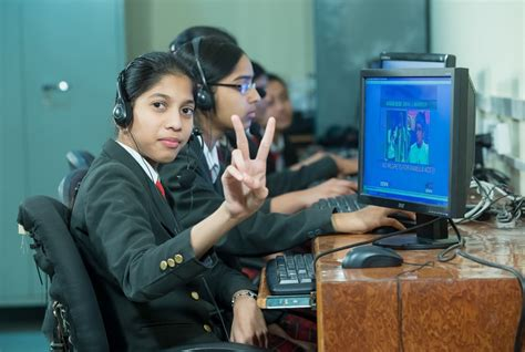 Role Of Technology In Indian Education System Today