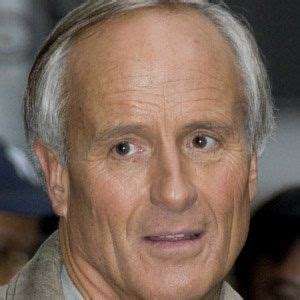 Jack Hanna - Bio, Family, Trivia | Famous Birthdays