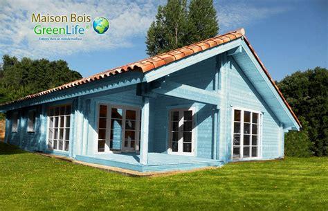 maison bois en kit peinte maison bois greenlife