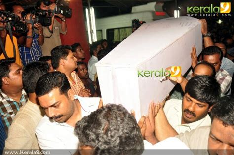 actress lakshmi funeral joshi s daughter funeral photos news pictures kerala9