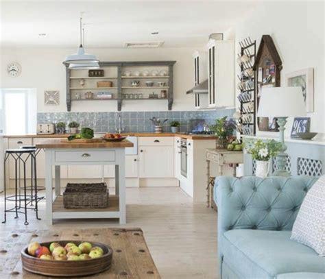 rangement vaisselle cuisine 5 id es pour le rangement mural dans la cuisine