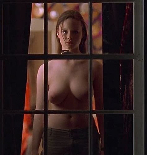 Thora Birch Nude Busty Boobs In American Beauty Movie Free Video