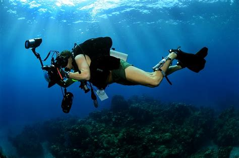 underwater photographer scuba  photo  pixabay