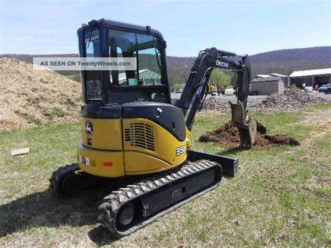 Yummy Cheerleader Turns Stranded During Camping Trip 2012 John Deere 35D Micro Excavator Cab Heat Air Thumb