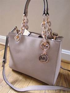 25+ best ideas about Handbags Michael Kors on Pinterest Michael kors  fashion f2859909f15bb
