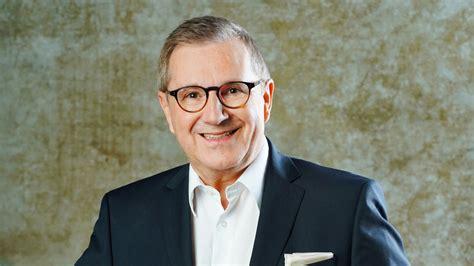 Mit dabei sind promis wie mr. Jan Hofer | Promiflash.de