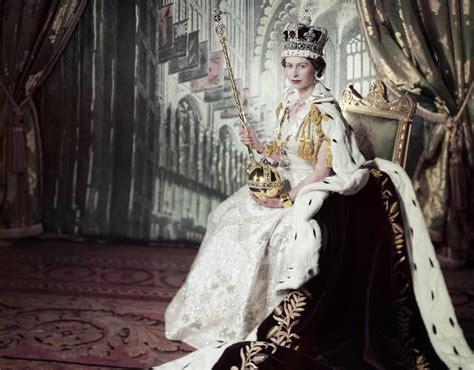 Queen Elizabeth Coronation Crown