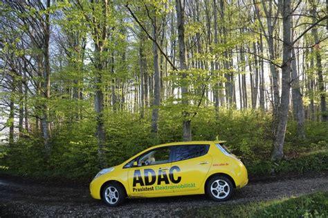 auto bewerten adac adac dauertest nissan leaf reichweite schrumpft mit den