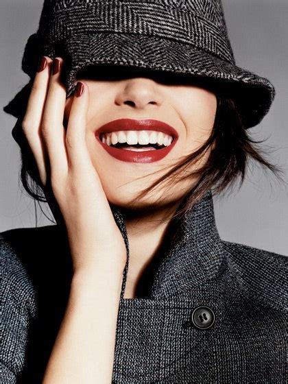 whiten  teeth  ways  brighten  smile allure