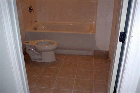 soufflant ceramique salle de bain pentagon row salle de bain en c 233 ramique cmc c 233 ramique