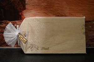 Schneidebrett Holz Mit Gravur : fr hst cksbrettchen schneidebrett aus edlem zirben holz mit gravur ein designerst ck von ~ Markanthonyermac.com Haus und Dekorationen