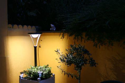 les inconnus le ladaire le exterieur solaire puissante 28 images ladaire ext 233 rieur design pour illuminer jardin
