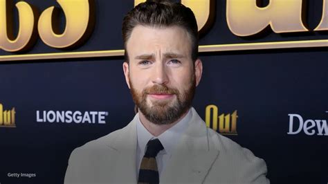 Chris Evans responds to accidental nude leak by urging ...