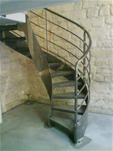 escalier balanc 233 acier brut acc 232 s mezzanine ehi escalier h 233 lico 239 dal industriel