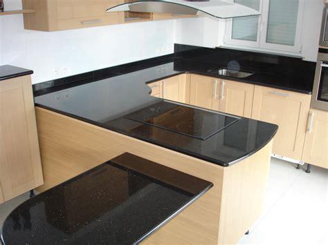 cuisine plan de travail noir plan de travail cuisine granit noir table de travail