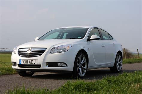 vauxhall insignia wagon vauxhall insignia hatchback 2009 2017 photos parkers
