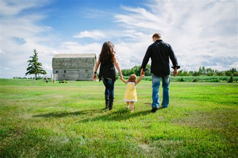 Kids And Family Outdoor Farm Family Fun By Davin G