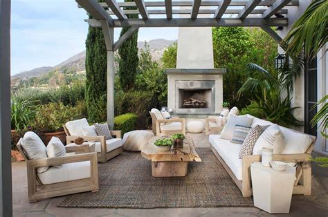 Gorgeous Outdoor Spaces by 25 Amazingly Cozy Backyard Retreats Designed For Entertaining