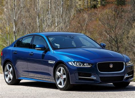 Jaguar XE - specifications, equipment, photos, videos ...