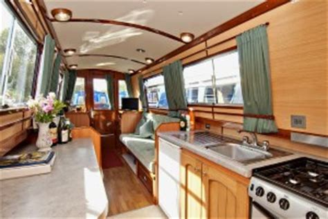 Private Narrowboat Building by The Wyvern Shipping Co. Ltd