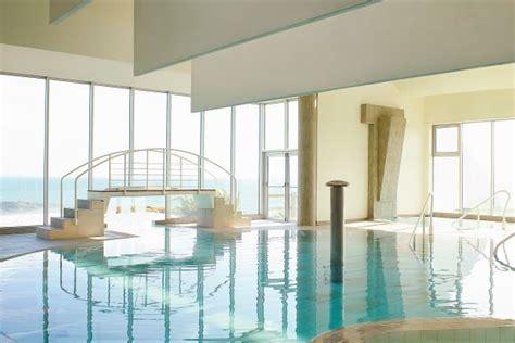 hotel piscine interieure bretagne hotel sofitel quiberon di 233 t 233 tique quiberon bretagne promovacances