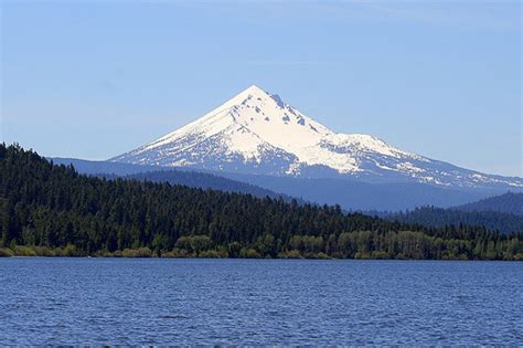 Mt. McLoughlin Towers Over the Western Edge of Upper Klama ...