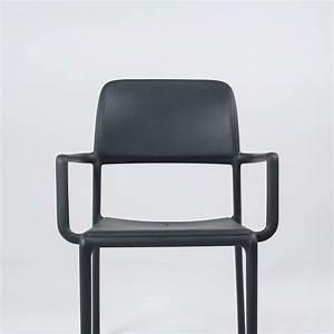 Fauteuil D Extérieur : fauteuil d 39 ext rieur en polypropyl ne riva 4 pieds tables chaises et tabourets ~ Teatrodelosmanantiales.com Idées de Décoration