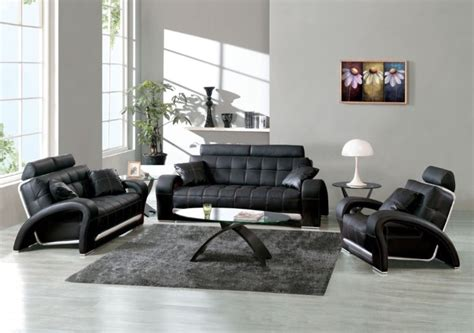 Choosing Black Leather Sofas For Striking Living Room