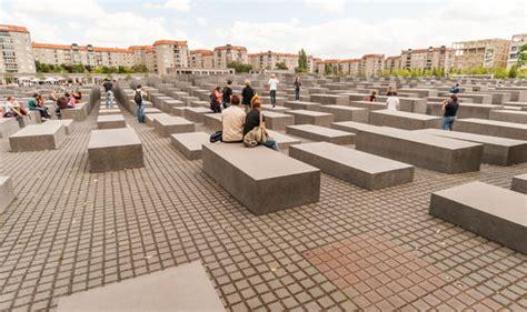 Holocaust Memorial Architect Peter Eisenman Warns Anti