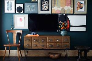 Remodelaholic ways to hide or decorate around the tv