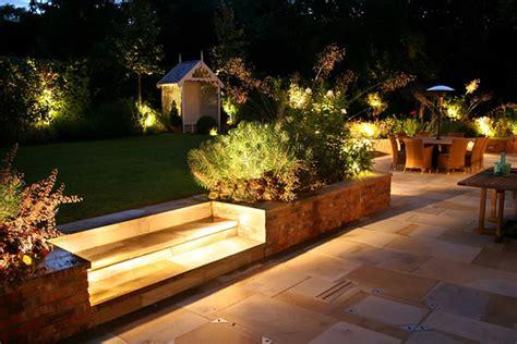 opciones de iluminacion  el jardin  terraza