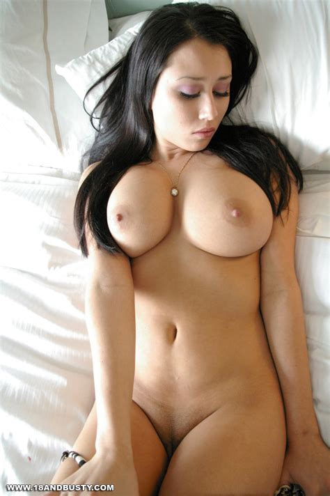 Maria Nude In Bed