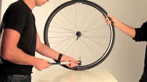 gonfler un pneu de velo la pompe mnp200 b 39