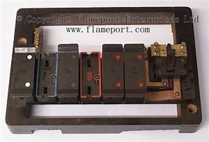 Wylex Standard 6 Way Fusebox With Brown Wooden Frame