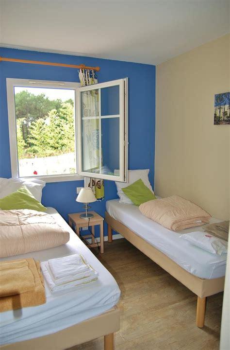 chambre deux lits chambre avec deux lits enfants