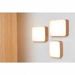 Applique Murale Led : applique murale en bois led cube au design scandinave et ~ Melissatoandfro.com Idées de Décoration