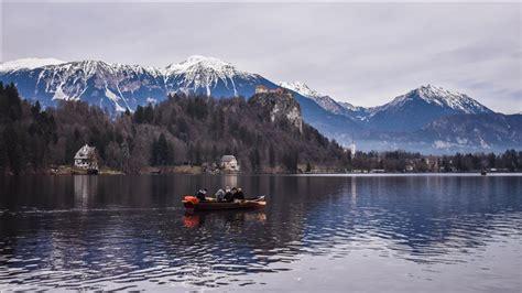 Liqeni i Bledit në Slloveni, gërshetim i natyrës dhe ...