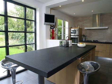 plan de travail cuisine granit noir  table centrale