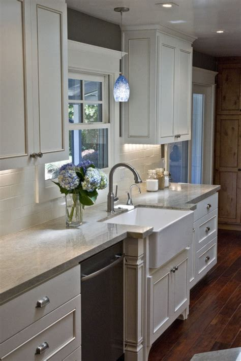 lowes kitchen lights over sink kitchen sink lights lowes besto blog