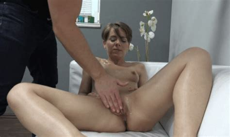 03 In Gallery Casting Short Haired Milf Ala Picture