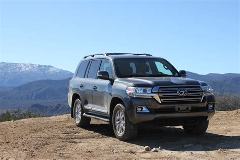 Review Toyota Land Cruiser by Review 2016 Toyota Land Cruiser Shrugs Pretension