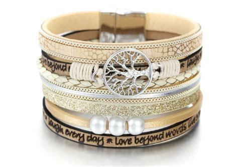 Indiešu stila rokassprādze ''Mīlestība ir vairāk nekā ...