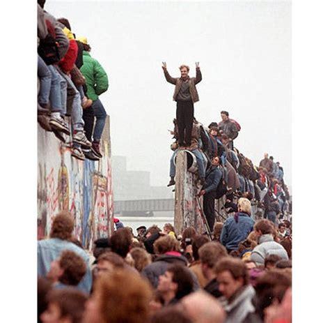 Mauerfall Deutschland Datum umfrage nur jeder dritte wei 223 wann der mauerfall war welt